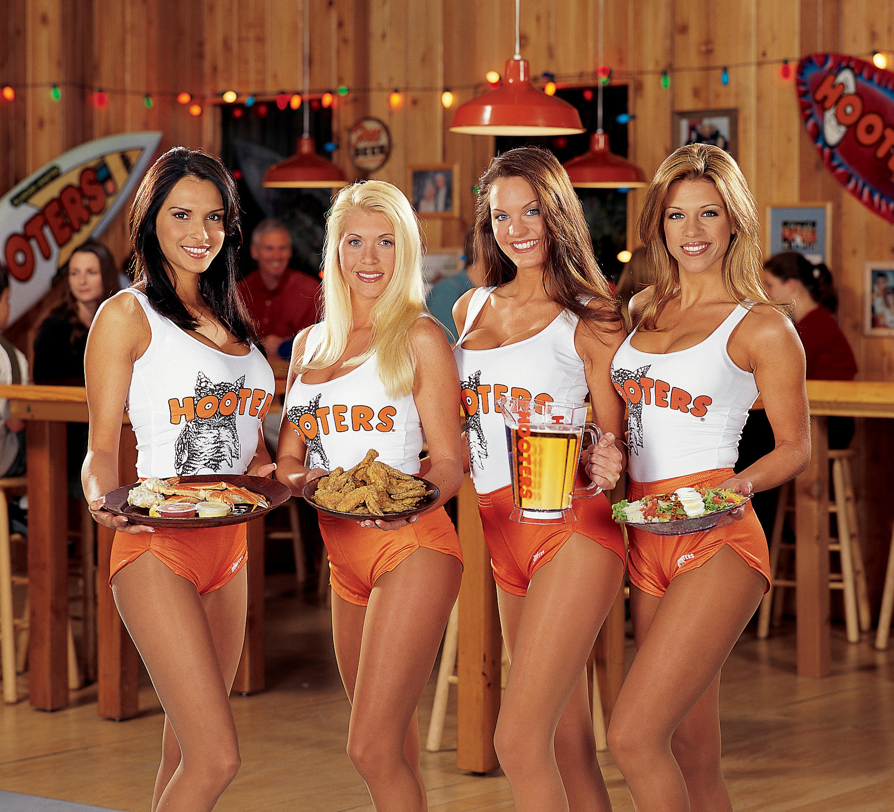 hooter girls nude uniform